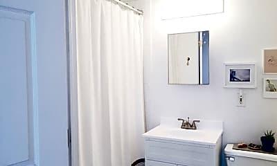 Bathroom, 199 W 134th St 1-A, 2