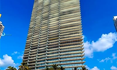 18975 Collins Ave 3404, 2