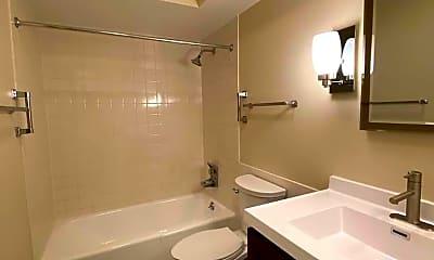 Bathroom, 2400 Windsor Mall 1K, 2