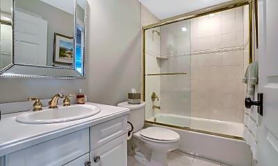 Bathroom, 3 Tower Rd, 2