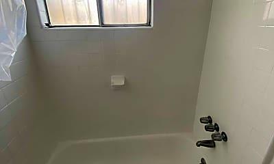 Bathroom, 737 W 5th St, 2