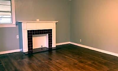 Living Room, 238 E Wyandotte St, 1