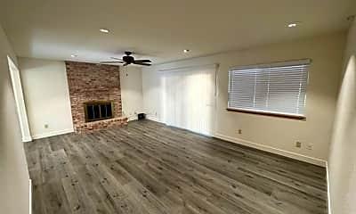 Living Room, 9119 La Serena Dr, 1