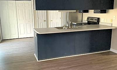 Kitchen, 412 Winners Cir N, 1