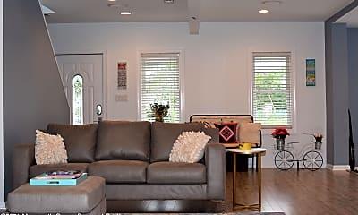 Living Room, 241 Hearn Ave, 1