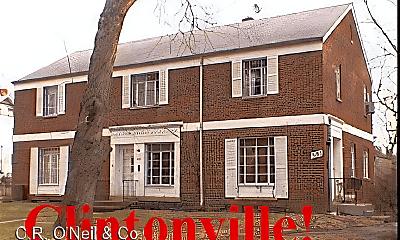Building, 3182 Dorris Ave, 2