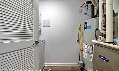 Bathroom, 2037 East Lehigh Avenue, 2
