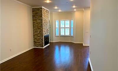Living Room, 909 S Gramercy Pl, 2