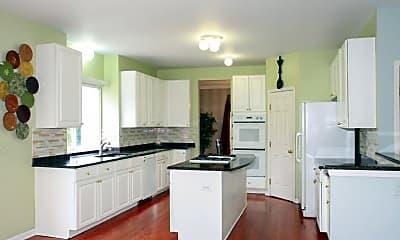 Kitchen, 227 N Wellington Dr, 1