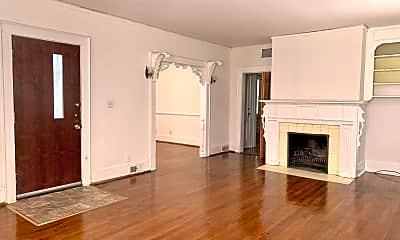 Living Room, 2903 Trenholm Rd, 1