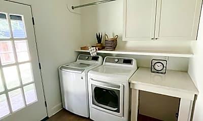 Kitchen, 4410 Dakota Ave, 2