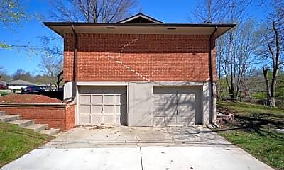 Building, 505 NE Corder St, 2