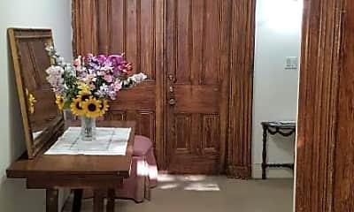 Dining Room, 142 Summit St, 2