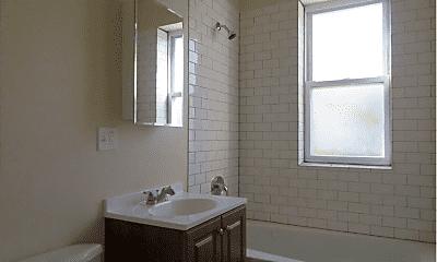 Bathroom, 3811 W Hirsch St, 2