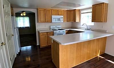 Kitchen, 69 Hampton Pl, 1