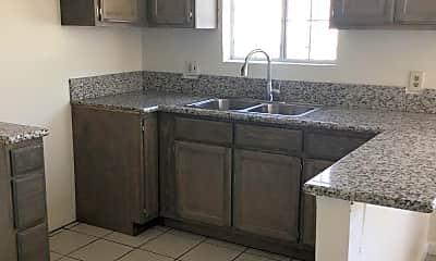 Kitchen, 335 E 76th St, 0