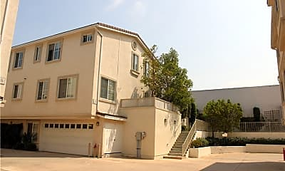 Building, 632 Meyer Ln A, 0
