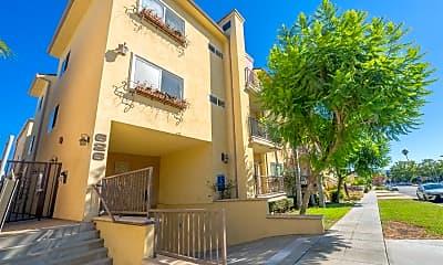 626 E Orange Grove Ave 105, 2