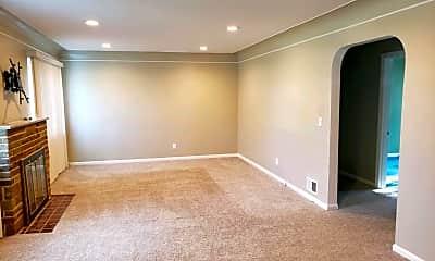 Living Room, 9515 Railroad Ave, 1