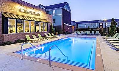 Pool, Lodges of East Lansing-Per Bed Lease, 0