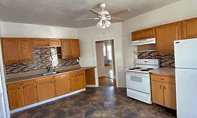 Kitchen, 84 Ellis St, 1
