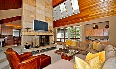 Living Room, 491 Edgewood Ln, 0