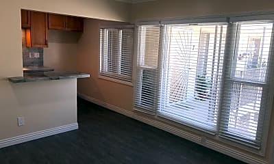 Kitchen, 950 S Alma St, 1