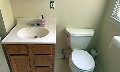 Bathroom, 1240 Battlefield Dr, 2