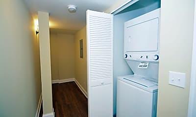 Bathroom, 1738 W Huron St 1R, 2