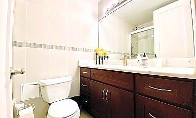 Bathroom, 145 E 48th St, 1