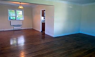 Living Room, 82-04 188th St, 1