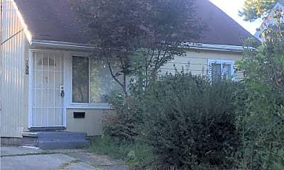 Building, 150 Berkley St, 2
