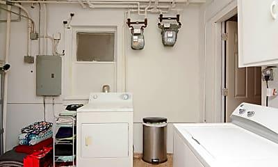 Bathroom, 1517 W Carroll Ave, 2