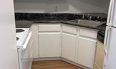 Kitchen, 3911 Water Oak Dr, 0