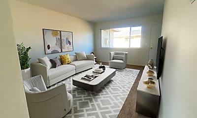 Living Room, 643 Bolton Ct, 1