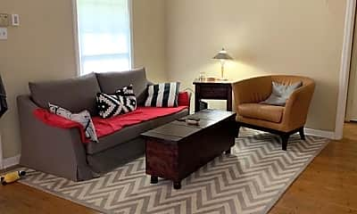 Living Room, 2061 Southgate Blvd, 1