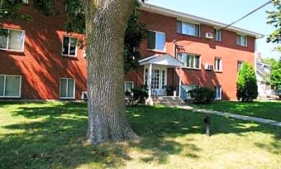 Elm Apartments, 1