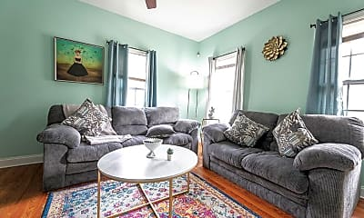 Room for Rent -  a half block (2minute) walk to bu, 2