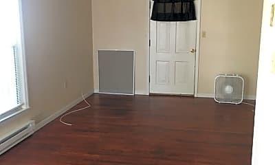 Living Room, 103 Green St, 1