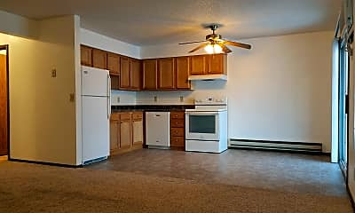 Kitchen, 2720 Summer Dr, 1