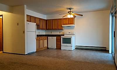 Kitchen, 2720 Summer Dr, 1