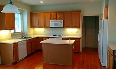 Kitchen, 16591 Johnson Creek Dr, 1