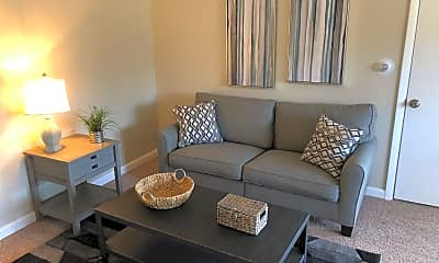 Living Room, 409 E Sheridan Ave, 1