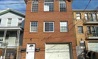 Building, 36 Jewett Ave G, 2
