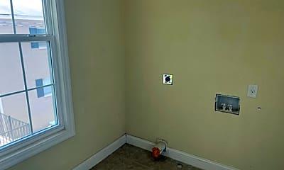 Bedroom, 728 S Ingraham Ave, 2