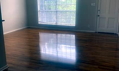 Living Room, 8401 N New Braunfels Ave 334, 1