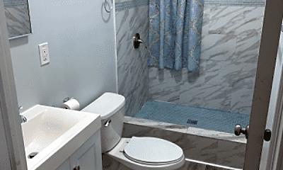 Bathroom, 185 Broadway, 2