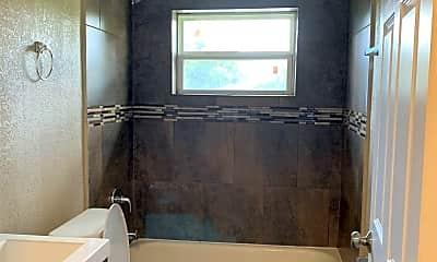 Bathroom, 7623 Pecan Villas Dr, 2