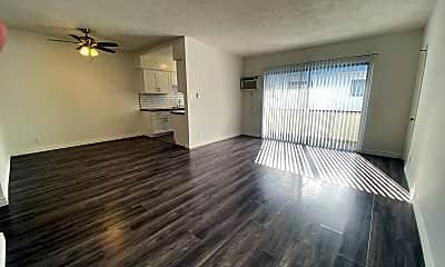 Living Room, 3326 Keystone Av, 0