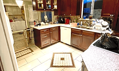 Kitchen, 17 Leola Ave, 1